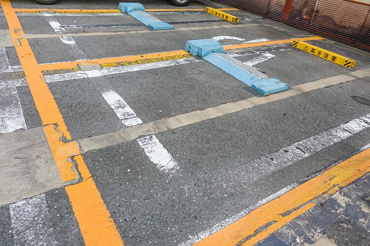 駐車場 等